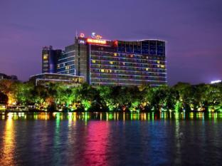 /ar-ae/lijiang-waterfall-hotel/hotel/guilin-cn.html?asq=jGXBHFvRg5Z51Emf%2fbXG4w%3d%3d