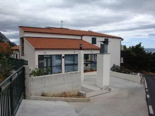 /ms-my/apartments-cepo/hotel/makarska-hr.html?asq=jGXBHFvRg5Z51Emf%2fbXG4w%3d%3d