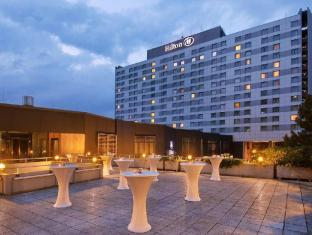/hilton-dusseldorf-hotel/hotel/dusseldorf-de.html?asq=jGXBHFvRg5Z51Emf%2fbXG4w%3d%3d