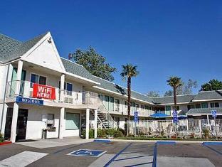 /ja-jp/motel-6-sacramento-central/hotel/sacramento-ca-us.html?asq=jGXBHFvRg5Z51Emf%2fbXG4w%3d%3d