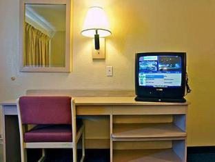 /ar-ae/motel-6-springfield-north/hotel/springfield-mo-us.html?asq=jGXBHFvRg5Z51Emf%2fbXG4w%3d%3d
