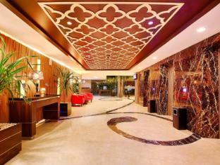 โรงแรมดิ อลานา สุราบายา