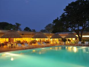 /da-dk/cresta-sprayview-hotel/hotel/victoria-falls-zw.html?asq=jGXBHFvRg5Z51Emf%2fbXG4w%3d%3d