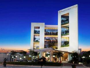 /da-dk/soll-marina-hotel-serpong/hotel/tangerang-id.html?asq=jGXBHFvRg5Z51Emf%2fbXG4w%3d%3d