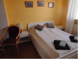/bg-bg/guesthouse-steinsholt/hotel/hruni-is.html?asq=jGXBHFvRg5Z51Emf%2fbXG4w%3d%3d
