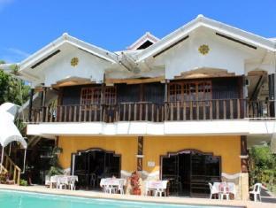 Villa Limpia Beach Resort