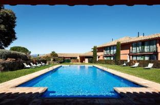 /ca-es/torremirona-relais-hotel-golf-and-spa/hotel/navata-es.html?asq=jGXBHFvRg5Z51Emf%2fbXG4w%3d%3d