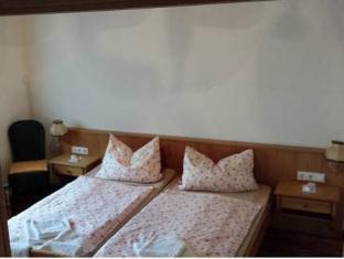 /de-de/p-b-monteur-ferienzimmer/hotel/freiburg-im-breisgau-de.html?asq=jGXBHFvRg5Z51Emf%2fbXG4w%3d%3d