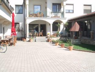 /de-de/gastehaus-auer-fritzi/hotel/jois-at.html?asq=jGXBHFvRg5Z51Emf%2fbXG4w%3d%3d