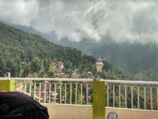 /bg-bg/pink-house/hotel/dharamshala-in.html?asq=jGXBHFvRg5Z51Emf%2fbXG4w%3d%3d