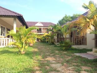 /bg-bg/the-moonflower-bungalow/hotel/sihanoukville-kh.html?asq=jGXBHFvRg5Z51Emf%2fbXG4w%3d%3d