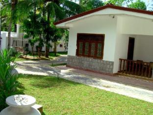 /ca-es/bandhusena-house-and-apartment/hotel/mirissa-lk.html?asq=jGXBHFvRg5Z51Emf%2fbXG4w%3d%3d