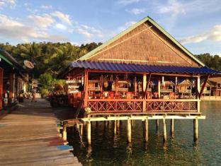 /ar-ae/angkor-chom-bungalows-and-rooms/hotel/koh-rong-kh.html?asq=jGXBHFvRg5Z51Emf%2fbXG4w%3d%3d