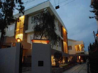 /da-dk/the-habitat-shillong-guest-house/hotel/shillong-in.html?asq=jGXBHFvRg5Z51Emf%2fbXG4w%3d%3d