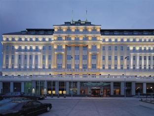 /da-dk/radisson-blu-carlton-hotel-bratislava/hotel/bratislava-sk.html?asq=jGXBHFvRg5Z51Emf%2fbXG4w%3d%3d