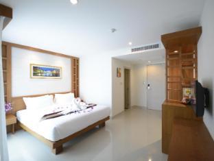 Expat Hotel Patong Center