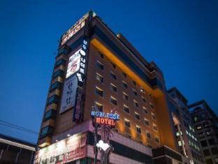Noblesse Tourist Hotel
