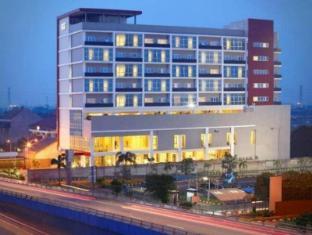 /da-dk/hotel-santika-cikarang/hotel/cikarang-id.html?asq=jGXBHFvRg5Z51Emf%2fbXG4w%3d%3d
