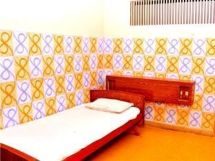 /de-de/sri-saibaba-guest-house/hotel/pondicherry-in.html?asq=jGXBHFvRg5Z51Emf%2fbXG4w%3d%3d