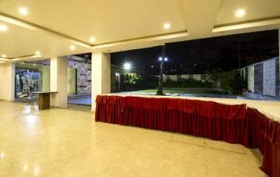/cs-cz/hotel-rainbow-international-shamshabad/hotel/hyderabad-in.html?asq=jGXBHFvRg5Z51Emf%2fbXG4w%3d%3d