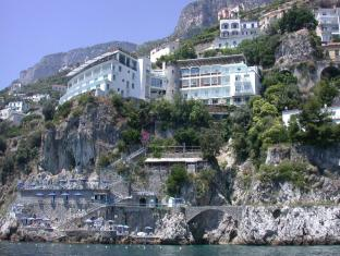 /de-de/hotel-miramalfi/hotel/amalfi-it.html?asq=jGXBHFvRg5Z51Emf%2fbXG4w%3d%3d