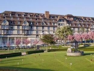 /de-de/hotel-barriere-l-hotel-du-golf/hotel/trouville-sur-mer-fr.html?asq=jGXBHFvRg5Z51Emf%2fbXG4w%3d%3d