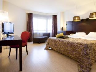 /ar-ae/hesperia-sevilla-hotel/hotel/seville-es.html?asq=jGXBHFvRg5Z51Emf%2fbXG4w%3d%3d