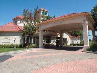 /de-de/la-quinta-fremont-hotel/hotel/fremont-ca-us.html?asq=jGXBHFvRg5Z51Emf%2fbXG4w%3d%3d