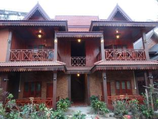Zuela Guesthouse and Restaurant