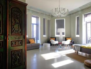 /ar-ae/hostel-club-chao-mama/hotel/saint-petersburg-ru.html?asq=jGXBHFvRg5Z51Emf%2fbXG4w%3d%3d