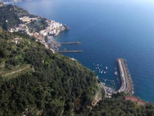 /ms-my/grand-hotel-excelsior/hotel/amalfi-it.html?asq=jGXBHFvRg5Z51Emf%2fbXG4w%3d%3d