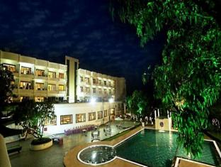 /de-de/pluz-resort/hotel/silvassa-in.html?asq=jGXBHFvRg5Z51Emf%2fbXG4w%3d%3d