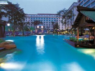 /da-dk/dong-fang-hotel/hotel/guangzhou-cn.html?asq=jGXBHFvRg5Z51Emf%2fbXG4w%3d%3d