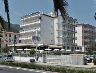 /ca-es/pietra-di-luna-hotel/hotel/maiori-it.html?asq=jGXBHFvRg5Z51Emf%2fbXG4w%3d%3d