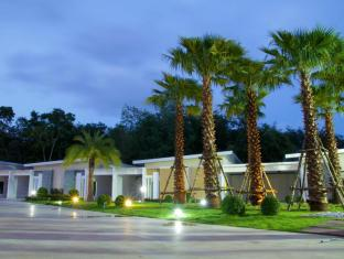/ar-ae/smile-resort-thungsong/hotel/nakhon-si-thammarat-th.html?asq=jGXBHFvRg5Z51Emf%2fbXG4w%3d%3d