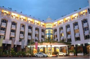 /bg-bg/hotel-sandesh-the-prince/hotel/mysore-in.html?asq=jGXBHFvRg5Z51Emf%2fbXG4w%3d%3d