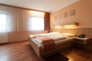 /en-sg/hotel-rothenburger-hof/hotel/rothenburg-ob-der-tauber-de.html?asq=jGXBHFvRg5Z51Emf%2fbXG4w%3d%3d