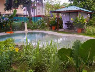 /ar-ae/bike-and-tours-bed-and-breakfast/hotel/lahad-datu-my.html?asq=jGXBHFvRg5Z51Emf%2fbXG4w%3d%3d