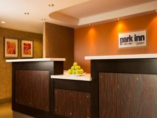 /de-de/park-inn-by-radisson-toronto-markham/hotel/markham-on-ca.html?asq=jGXBHFvRg5Z51Emf%2fbXG4w%3d%3d