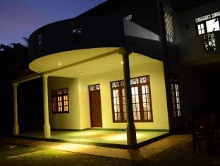 /da-dk/aurora-villa-hikkaduwa/hotel/hikkaduwa-lk.html?asq=jGXBHFvRg5Z51Emf%2fbXG4w%3d%3d