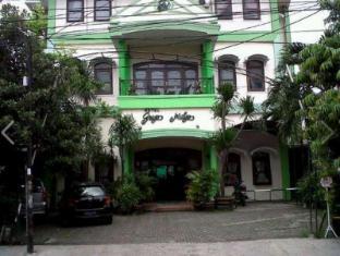 Griyo Mulyo Hotel