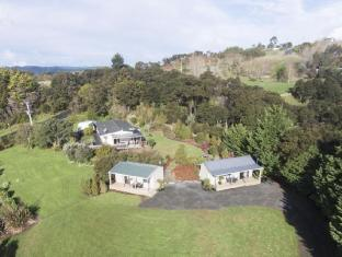 Auckland Country Cottages