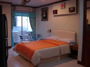 James Dean Bar & Guesthouse - Phuket