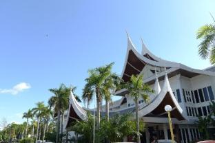 /bg-bg/the-grand-beach-resort/hotel/port-dickson-my.html?asq=jGXBHFvRg5Z51Emf%2fbXG4w%3d%3d