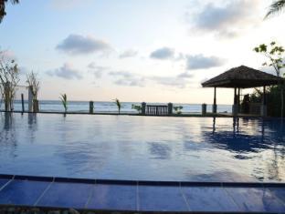 /bg-bg/ocean-crest-hotel/hotel/unawatuna-lk.html?asq=jGXBHFvRg5Z51Emf%2fbXG4w%3d%3d