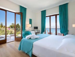/de-de/hotel-regina/hotel/sorrento-it.html?asq=jGXBHFvRg5Z51Emf%2fbXG4w%3d%3d
