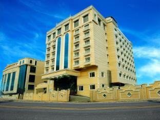 /bg-bg/shenbaga-hotel-and-convention-centre/hotel/pondicherry-in.html?asq=jGXBHFvRg5Z51Emf%2fbXG4w%3d%3d