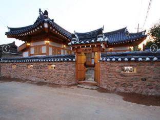 /bg-bg/sodamjeong-hanok-guesthouse/hotel/gyeongju-si-kr.html?asq=jGXBHFvRg5Z51Emf%2fbXG4w%3d%3d
