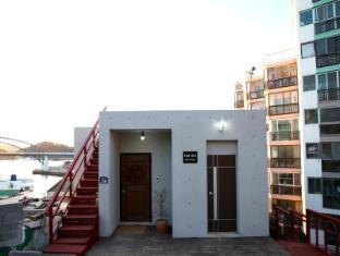 /de-de/hulhul-guesthouse-tongyeung/hotel/tongyeong-si-kr.html?asq=jGXBHFvRg5Z51Emf%2fbXG4w%3d%3d