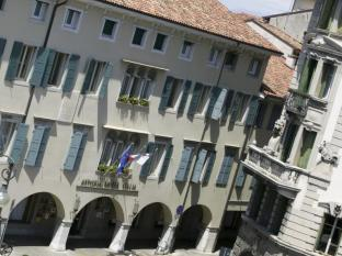 /bg-bg/astoria-hotel-italia/hotel/udine-it.html?asq=jGXBHFvRg5Z51Emf%2fbXG4w%3d%3d